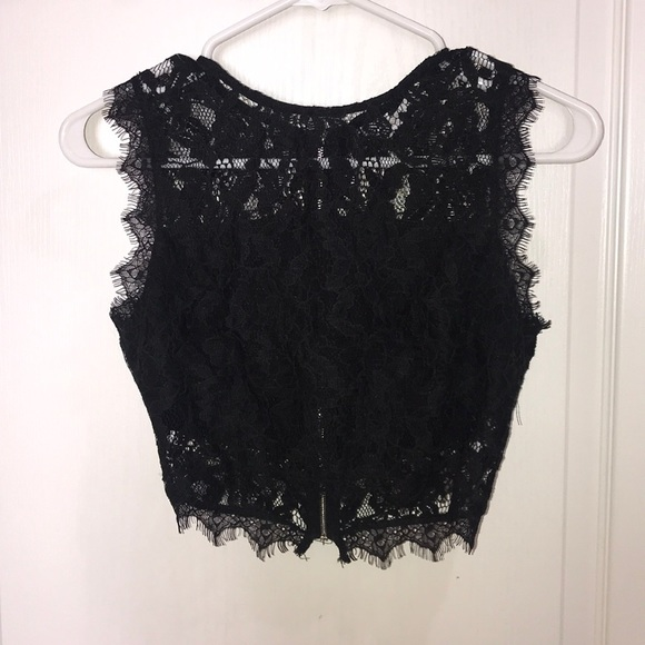 Andree Tops - Lace crop top